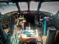 Cockpit 2 med
