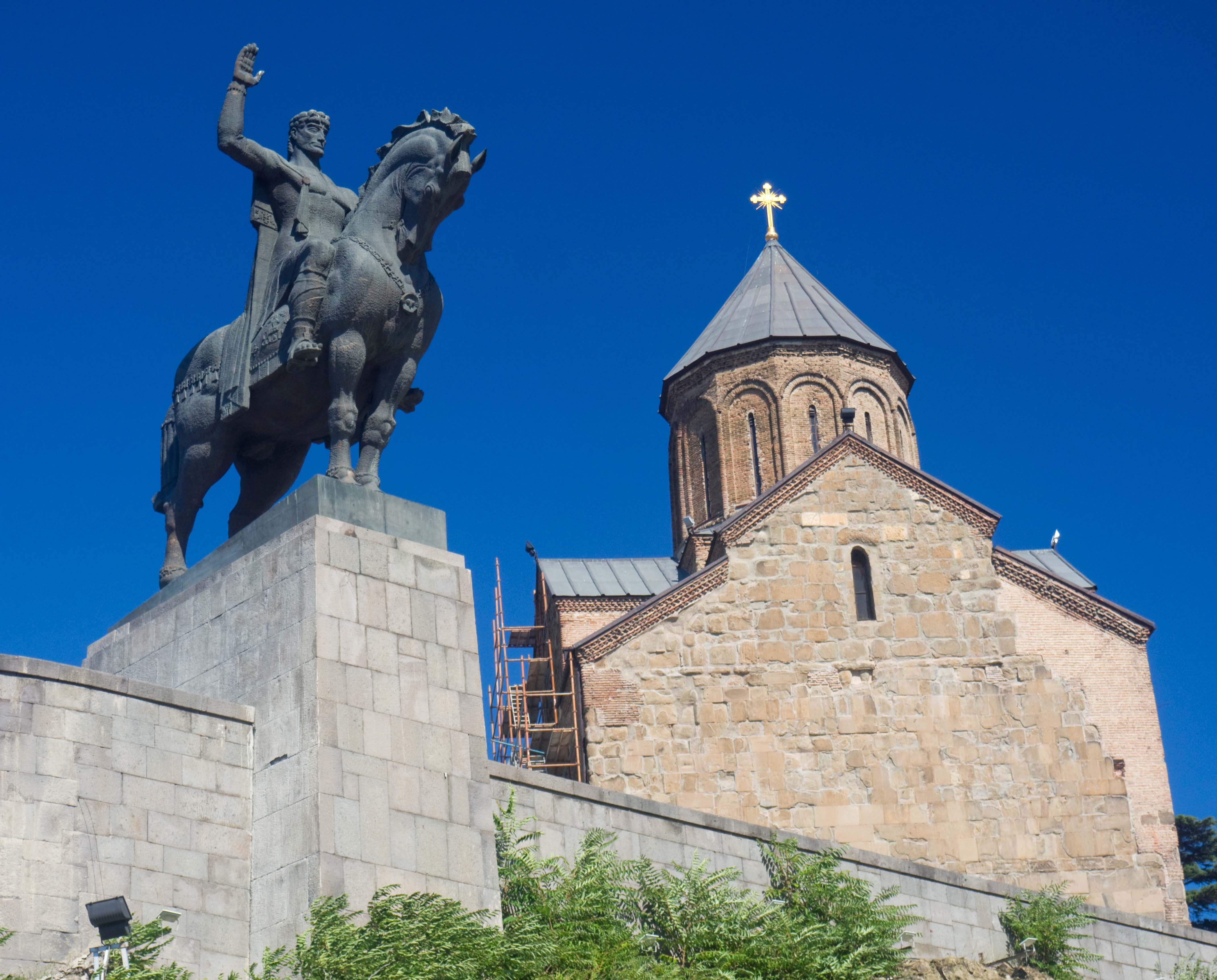 Metekhi Church of the Assumption & King Vakhtang I Gorgasali